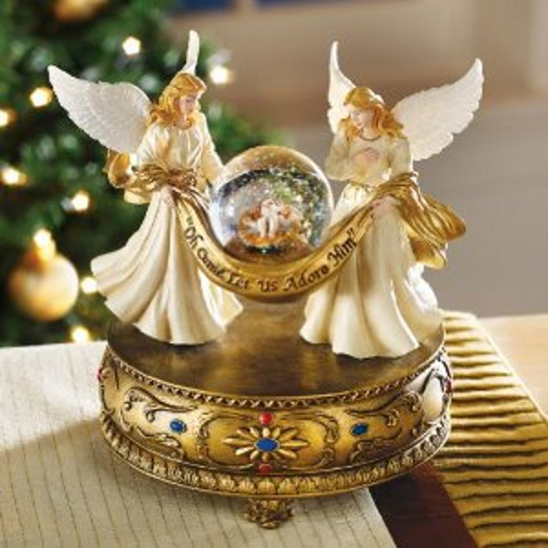 Musical Angels with Globe